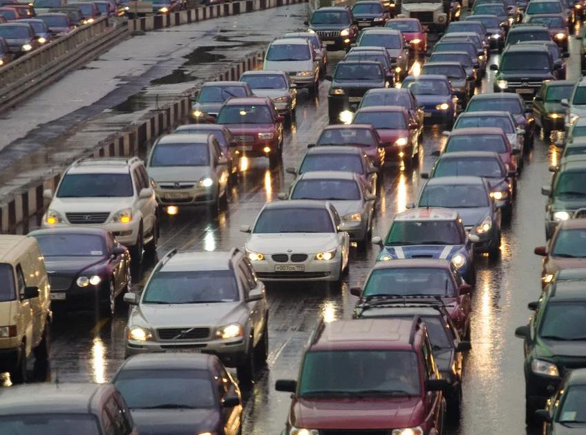 Можно ли выехать из Москвы на дачу на машине