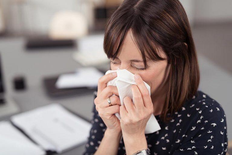 Может ли коронавирус начинаться с насморка