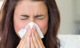 Может ли при коронавирусе быть насморк, заложенность носа, потеря обоняния без температуры