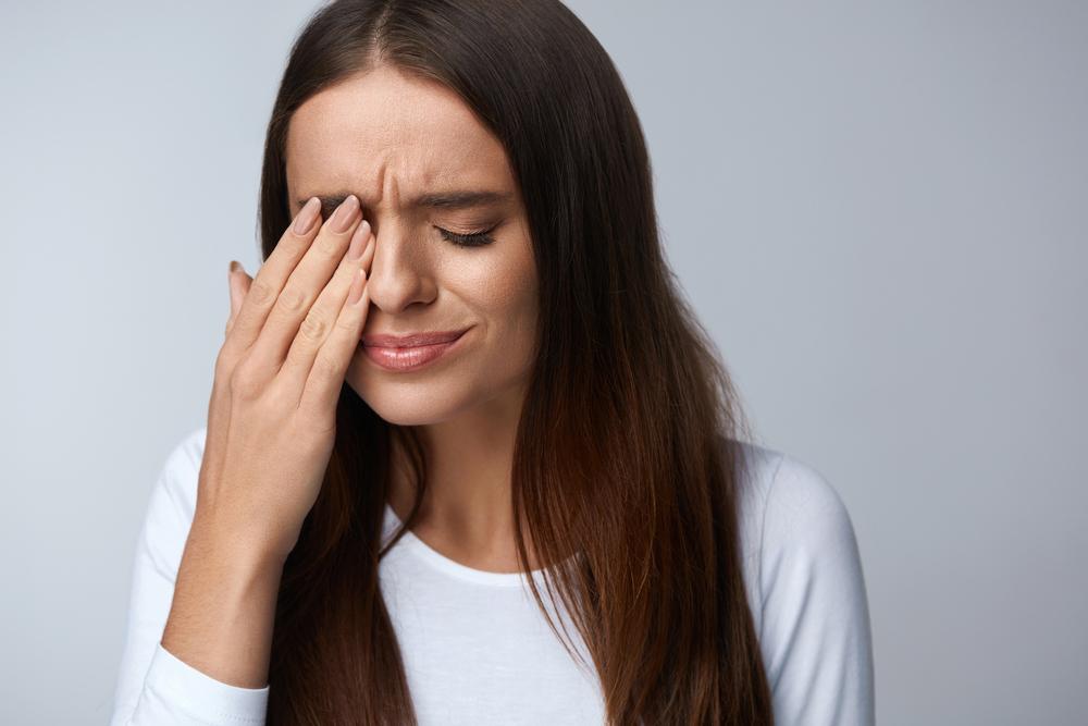 Болят или нет при коронавирусе глаза